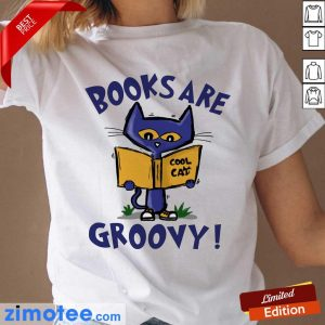 Books Are Readed Cool Cat Groovy Ladies Tee